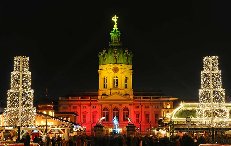 weihnachtsmarkt am schloss charlottenburg weihnachten in berlin. Black Bedroom Furniture Sets. Home Design Ideas