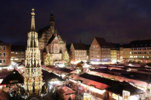 christkindlesmarkt-in-nuernberg-bayern-abendstimmung