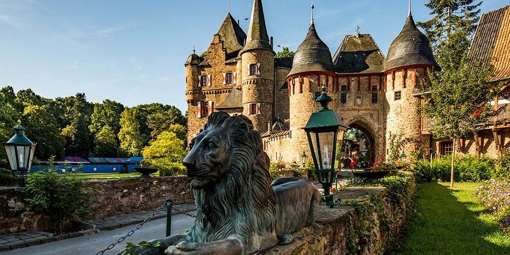 Ostermarkt auf Burg Satzvey