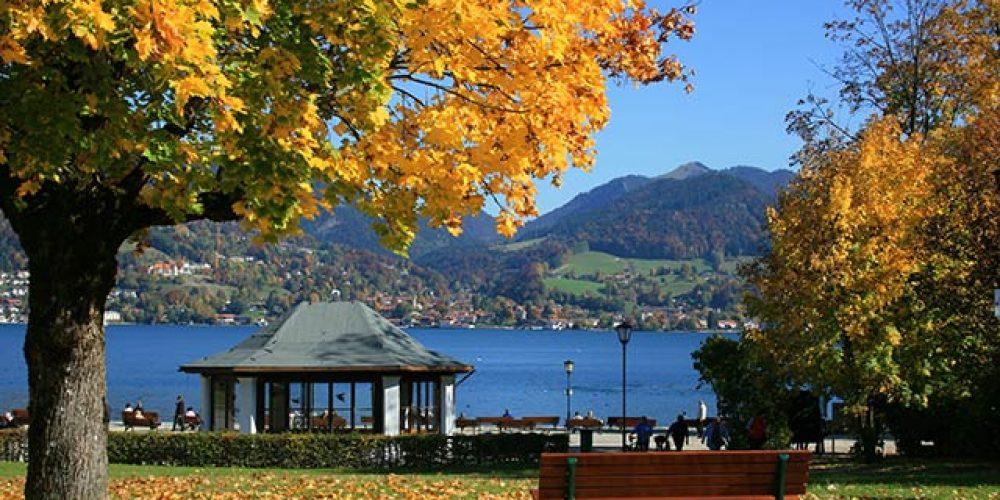 Herbstsonne am Tegernsee in Bayern